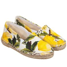 These lemon printed flat espadrilles look like the perfect outfit piece for a summer holiday. Espadrilles, Espadrille Shoes, Sock Shoes, Shoe Boots, Shoe Bag, Dolce & Gabbana, Fashion Shoes, Kids Fashion, Lemon Print