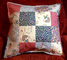 Cushions, Quilts, Blanket, Scrappy Quilts, Throw Pillows, Blue Prints, Toss Pillows, Pillows, Quilt Sets