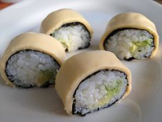 How to Make Avocado Cheese Maki (Sushi)