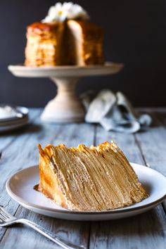 Shake up the sweets at this year's Thanksgiving with this delicious Dulce de Leche Crepe Cake recipe by HonestlyYUM. Just Desserts, Delicious Desserts, Dessert Recipes, Pancake Recipes, Gourmet Desserts, Waffle Recipes, Food Cakes, Crepe Cake, Crepe Recipes