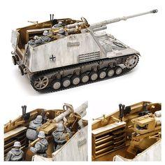 «Nashorn» («носорог»), полное название — 8.8 cm PaK 43/1 auf Geschutzwagen III/IV (Sf) — германская самоходная артиллерийская установка (САУ) периода Второй мировой войны, класса противотанковых САУ. Модель в масштабе 1/35. Длина после сборки: 241 мм. Ширина: 84 мм. Особенности: максимальная точно воссозданная масштабная модель по сравнению с оригиналом; металлические части для 8.8 см пушки; 4 фигуры в зимнем камуфляже; ящики с боеприпасами могут быть собраны в открытом или закрытом виде.