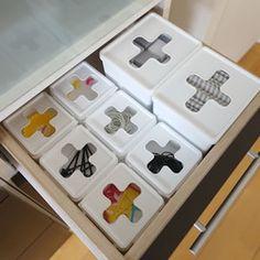 セリア「プルアウトボックス」の収納アイデア。キッチンの消耗品収納におすすめ