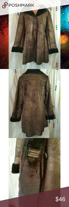 NWT L Bronze Sherpa 12 to 14 Brown Mid Length Coat NWT .  Awesome PRICE.    Very nice stylish coat!  warm and medium weight for sherpa.  Brown w a bronze shimmer.  Flexible. Sizes 12 to 14 per mfg and imo.   Great Deal!    Underarm to other 22 1/4 front, Shoulders 18, length 35. Jackets & Coats
