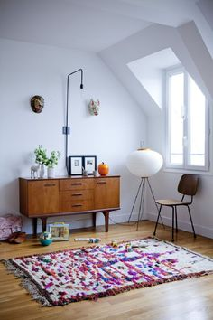 Things That You Need To Know When It Comes To Industrial Decorating You can use home interior design in your home. Even with the smallest amount of experience, you can beautify your home. Take the time to read through the article bel Living Room Colors, Home Living Room, Living Room Furniture, Living Room Designs, Living Spaces, Home Interior Design, Interior Decorating, Industrial Decorating, Interior Livingroom