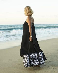 The Traveller Vegan Leather, Poppies, Floral Prints, Cover Up, Style Inspiration, Stylish, Neutral, Bags, Travel
