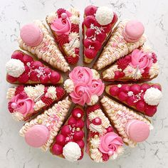 I do love my cake slices of yumminess as well as prettiness 💕 Sprinkles flamingo from Valentine Pizza, Valentine Cake, Valentines, Cake Decorating Techniques, Cake Decorating Tips, Pizza Cake, Sweet Box, Big Cakes, Unique Cakes