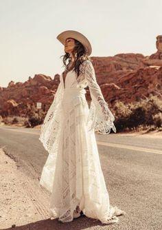 Bohemian Wedding Dresses, Wedding Dress Sizes, Boho Bride, Dream Wedding Dresses, Bridal Dresses, Wedding Gowns, Bohemian Weddings, Pirate Wedding Dress, Country Western Wedding Dresses