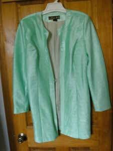 WOMEN'S SHINY GREEN BEADED VINTAGE 'DONNA VINCI COUTURE' EVENING COAT - $20 (PERRYVILLE)