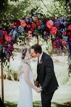Best Of Bridal Bouquets – Hello May Jewel Tone Wedding, Red Wedding, Floral Wedding, Fall Wedding, Wedding Bouquets, Wedding Ceremony, Wedding Flowers, Wedding Ideas, Wedding Pins