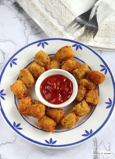 How Tater tots are made, the favorite potato garnish in the USA and the United Kingdom - huevos y patatas - Food To Go, Food N, Wok, Tater Tots, Beef Recipes, Cooking Recipes, Vegan Recipes, Vegetarian Comfort Food, Slow Food
