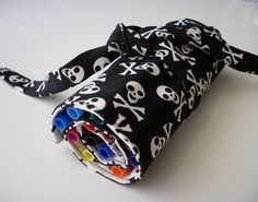 pencil roll by **tWo pInK pOSsuMs**, via Flickr
