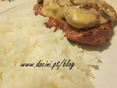 Receita Hambúrgueres com molho cremoso de cogumelos, de Docini - Petitchef