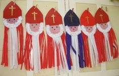 sinterkerst violet color of house - Violet Things Christmas Crafts For Kids, Christmas Projects, Kids Crafts, Christmas Time, Diy And Crafts, Arts And Crafts, Saint Nicholas, Diy For Kids, Projects To Try