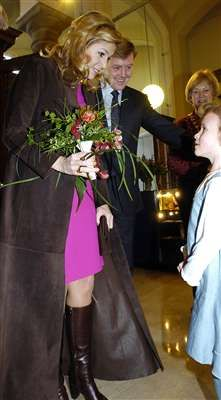 Crown Princess Máxima Picture Thread, Part 1 (April 2004 - April - Page 4 - The Royal Forums Sunny Pictures, Holiday Pictures, Old Pictures, Ava Elizabeth, Charlotte Casiraghi, Living In New York, Queen Maxima, Cute Girls, Holland