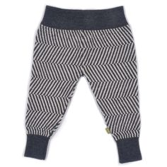 Super-soft wool pants made with Organic Merino in a charcoal and natural color featuring a jumbo herringbone pattern.  The pants have an elastic rib at waist an