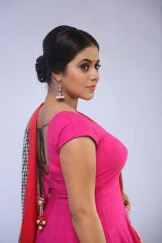 Actress Poorna Dazzling Chudidar Photos Beautiful Girl Indian, Beautiful Girl Image, Most Beautiful Indian Actress, Beautiful Actresses, Beautiful Things, Hot Actresses, Indian Actresses, South Indian Actress Hot, South Actress