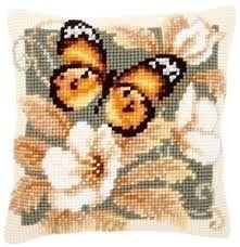 Afbeeldingsresultaat voor vlinders borduurpatronen