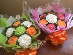 Small cupcake bouquets www.bakedblooms.com