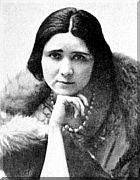 FLORBELA ESPANCA nasceu em Vila Viçosa, Portugal, em 8 de Dezembro de 1894, e suicidou-se em Matosinhos, em 8 de Dezembro de 1930.