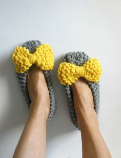 Chunky slippers for women Home flats Handmade shoes by NENAKNIT