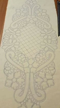 Bobbin Lace Patterns, Doily Patterns, Embroidery Patterns, Crochet Flower Tutorial, Crochet Flowers, Romanian Lace, Whole Cloth Quilts, Machine Quilting Patterns, Cutwork Embroidery