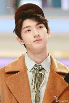 Medium Tv Show, Chinese Babies, O Drama, Boys Over Flowers, Cute Actors, Japanese Men, Ballroom Dance, Dream Guy, Handsome Boys