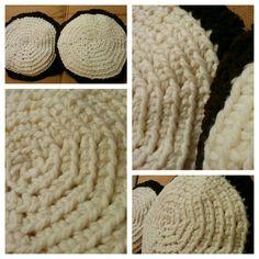 cuscini il lana e velluto ricavato da una vecchia gonna