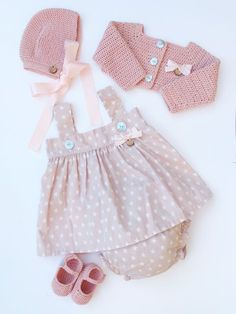 Baby Clothing Set: Romper, Col
