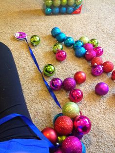 Our Styled Suburban Life: Ornament Garland DIY
