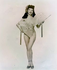 burlesque fan dancer