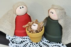 Clay Pot Nativity, how stinkin' cute! This would be a great Christmas Craft for our Cub Scout den :)