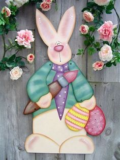 Transferring An Image With Freezer Paper Easter Art, Easter Crafts, Easter Bunny, Primitive Crafts, Wood Crafts, Easter Paintings, Rabbit Crafts, Tole Painting Patterns, Spring Painting