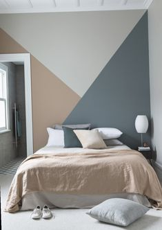 Geometric mural for a colorful decor . Geometric mural for a colorful decor design Peinture murale géométrique pour une déco pleine de couleur 0 Source by Wall Murals Bedroom, Bedroom Wall Designs, Bedroom Decor, Wall Decor, Mural Wall, Cozy Bedroom, Ideas For Bedroom Walls, Living Room Walls, Living Spaces