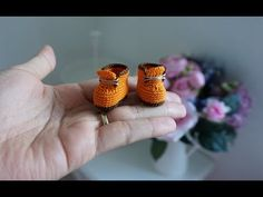 Mesmerizing Crochet an Amigurumi Rabbit Ideas. Lovely Crochet an Amigurumi Rabbit Ideas. Crochet For Boys, Cute Crochet, Crochet Crafts, Crochet Toys, Crochet Patterns Free Women, Crochet Shoes Pattern, Doll Shoe Patterns, Crochet Doll Clothes, Crochet Videos