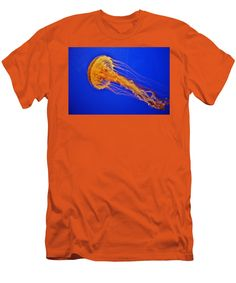 Jellyfish Men's T-Shirt (Athletic Fit) featuring the photograph Sea Nettle Jellyfish by Cynthia Guinn