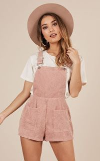 Girly Girl Outfits, Cute Summer Outfits, Cute Casual Outfits, Pretty Outfits, Stylish Outfits, Cute Overall Outfits, Amazing Outfits, Cute Shorts Outfits, Cute Summer Clothes