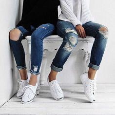 ripped jeans l jack purcell Summer Outfits, Casual Outfits, Cute Outfits, Fall Outfits, Look Fashion, Winter Fashion, 90s Fashion, Jeans Fashion, Fashion Beauty