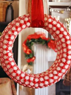 DIY Peppermint Wreath (http://blog.hgtv.com/design/2012/11/27/5-ways-to-use-peppermints-during-the-holidays/?soc=pinterest)