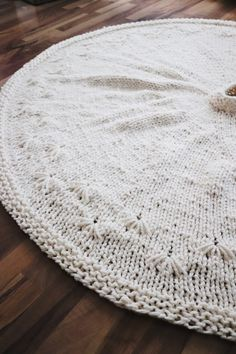 SNOWBELL HOLIDAY TREE SKIRT - FREE PATTERN — Knitatude Knitting Charts, Knitting Patterns, Knitting Squares, Crochet Patterns, Easy Knitting, Holiday Tree, Christmas Tree, Christmas Angels, Christmas Stockings