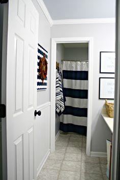 Thrifty Decor Chick: Big bathroom renovation progress!