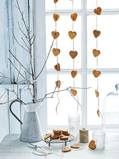 DIY gingerbread heart garland: Yeah.. Remove the string, and I'll just eat the biscuits thanks..