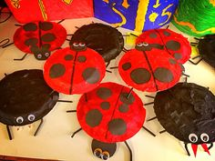 Mini beast art lesson. Nursery Activities Eyfs, Childcare Activities, Creative Activities, Summer Activities, Teaching Activities, Bug Crafts, Garden Crafts, Crafts For Kids, Arts And Crafts