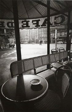 Jeanloup Sieff, Cafe de Flore, early morning, 1975