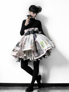 Puffy newspaper skirt