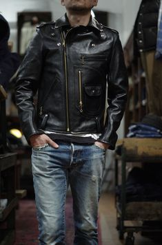 Look At These Men's Jackets. Uncover some terrific men's fashion. With so much style for guys available nowadays, it can be a challenging encounter. Men's Leather Jacket, Leather Men, Leather Jackets, Fashion Moda, Mens Fashion, Fashion Wear, Casual Shirts For Men, Men Casual, Stylish Jackets
