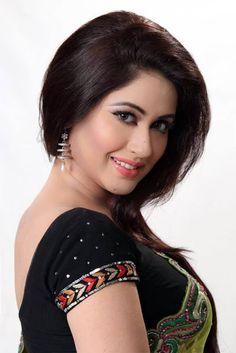 Sabrina Sultana Keya is a super hot model and actress in Bangladesh. Bangladeshi actress Keya become a heroine and model in Bangladesh movie. Beautiful Girl Indian, Beautiful Indian Actress, Beautiful Actresses, Beauty Full Girl, Cute Beauty, Beauty Women, Indian Beauty Saree, India Beauty, Kawaii