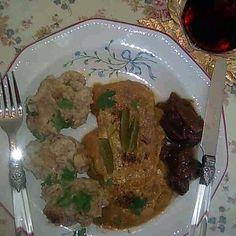 Egy finom Vadasmarha zsemlegombóccal ebédre vagy vacsorára? Vadasmarha zsemlegombóccal Receptek a Mindmegette.hu Recept gyűjteményében!