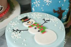 This holiday season let Sugarland take a bit off your shoulders! Christmas Themed Cake, Christmas Cake Designs, Christmas Cake Pops, Christmas Cake Decorations, Holiday Cakes, Xmas Cakes, Happy Birthday Cookie, Birthday Cookies, Easy Christmas Treats
