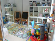Beautiful kids room Via Elaine Ng Friis: How to Organize Your Child's Toys/Playroom?