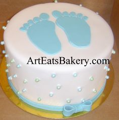 Unique white fondant baby shower cake with blue feet, edible sugar pearls and bow idea picture Torta Baby Shower, Tortas Baby Shower Niña, Unique Baby Shower Cakes, Baby Shower Cake Designs, Baby Shower Sheet Cakes, Baby Shower Cakes Neutral, Baby Shower Cakes For Boys, Baby Shower Niño, Shower Bebe